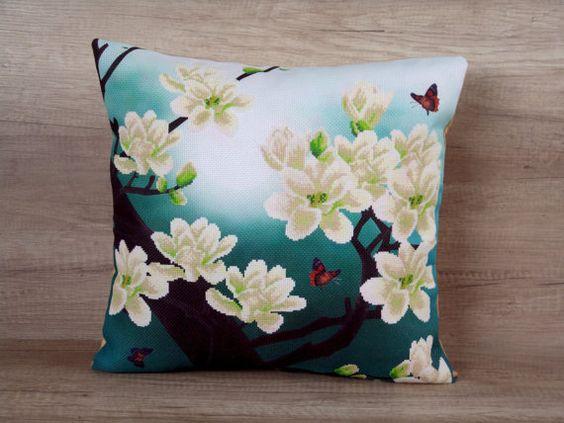 Magnolia point de croix sur la taie d'oreiller en broderie turquoise 18 x 18 (43 x 43cm) ~ cadeau idée, coussin de style oriental, design au style asiatique