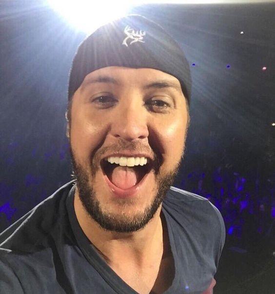 I need a Luke selfie on my phone pls and thank you