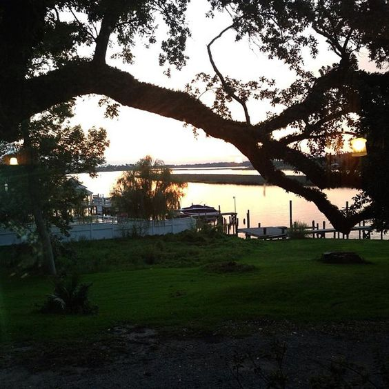 07/2013 sunset @ Aunt Jenny's Catfish Restaurant in Ocean Springs MS on beautiful Ft. Bayou