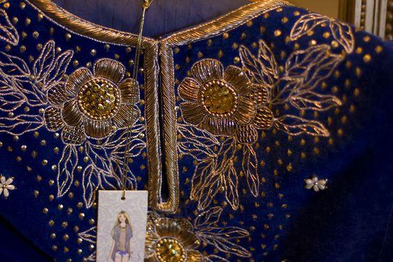 Embellishment en Rapsodia . Azul y dorado. Click en la foto para ver mas en seguiilamoda.com