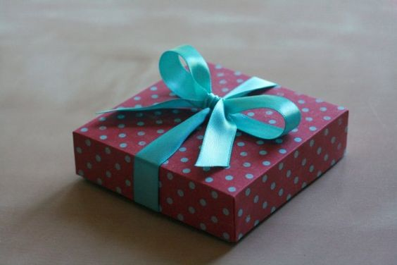 Zrób to sam: dekoracyjne pudełka na prezenty - wariant 1
