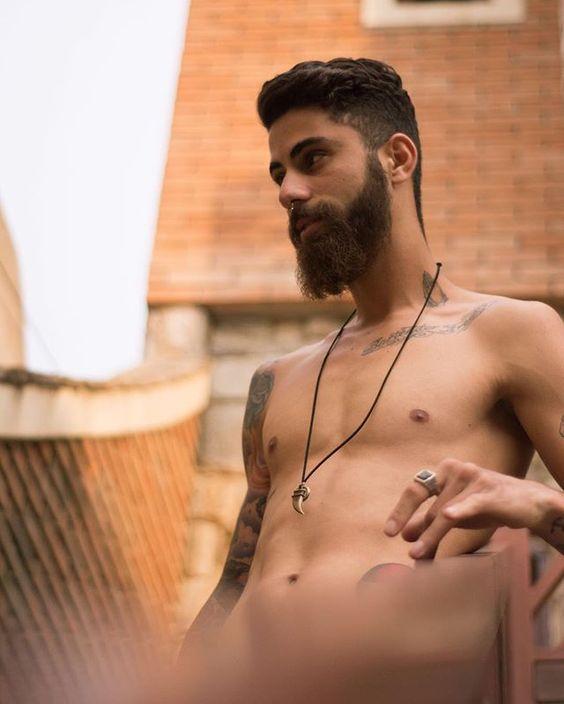 @ericmartinsss Foto: @guilhermemarquesphoto breve em www.serenofotografia.com #tattoo #tattoos #tattooed #oldschool #barba #barbados #beard #retrato #retratos #modelo #modelos #moda #modamasculina #menswear #brsensual