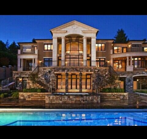 Luxury mansion with a parthenon style roof pillars for Luxury dream homes