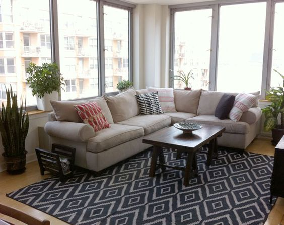 my bench could look really nice upholstered in something like this rug in navy rug black white. Black Bedroom Furniture Sets. Home Design Ideas