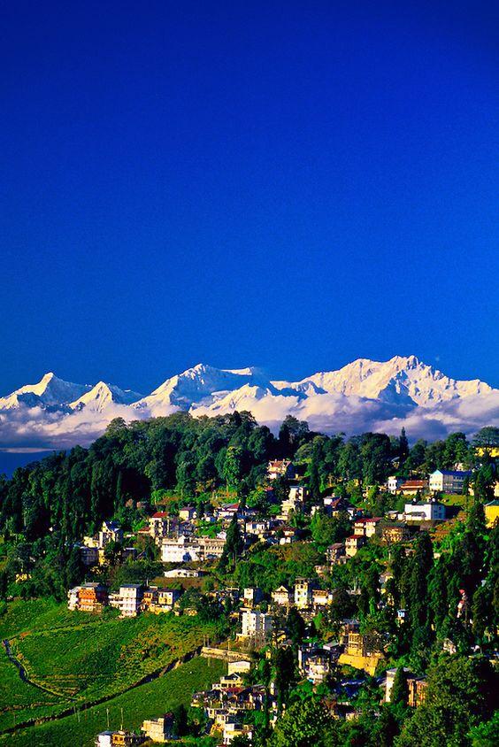 """Darjeeling, West Bengal, India.  """"El Cielo sobre Darjeeling"""" / """"Der Himmel über Darjeeling"""" Nicole C. Vosseler"""