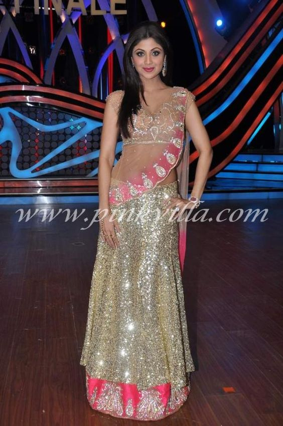Shilpa Shetty at the grand finale of Nach Baliye | PINKVILLA: Indian Jewellery, Ethnic Fashion, Indian Outfits, Indian Dresses, Indian Styles, Baliye Pinkvilla, Wear, Fashion Inspo