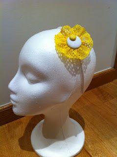 Diadema en encaje amarillo