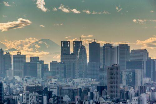Shinjuku dusk by shinichiro 文京シビックセンターから http://flic.kr/p/J26B1n