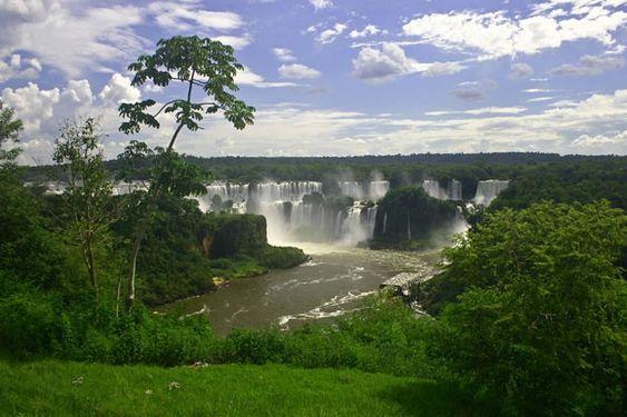 Cataratas do Iguaçu, entre Brasil e Argentina