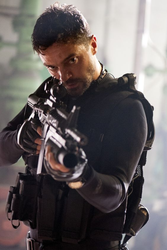 Dominic Cooper Looks The Part In First Image For Action Thriller 'Stratton'