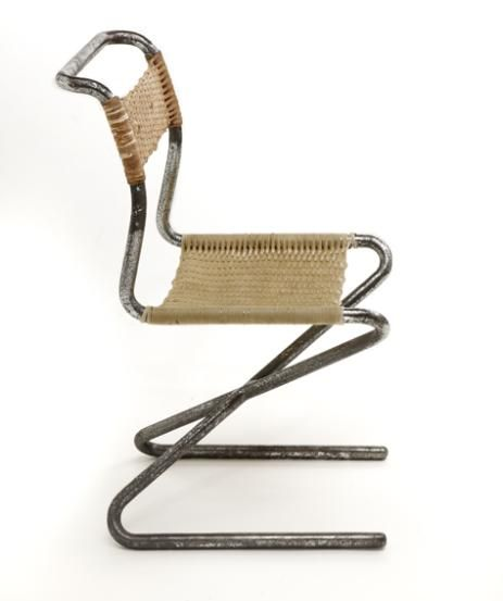 Tubular crosslegged zig zag by gerrit rietveld chair for Chaise zig zag