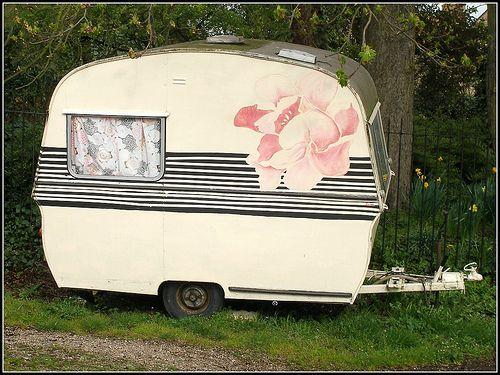 Thomson Mini Glen Vintage Caravan (by alansaxman)