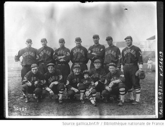 The Chicago white sox [équipe de base-ball en tournée à Paris en février 1914] : [photographie de presse] / [Agence Rol] - 1