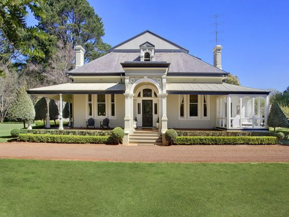 Classic australian turn of the century house silvia 39 s for Country house plans australia