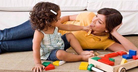 Cách mẹ Nhật kích thích giác quan cho trẻ từ 4 - 6 tháng tuổi