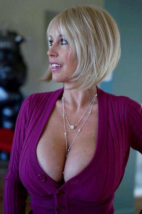 image Posh mature mom with big boobs and big ass