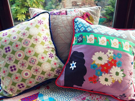piped pillow tutorial, envelope back
