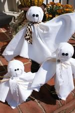 Time to start getting your fall decor out! These adorable ghosts will become your favorite Halloween decoration!     https://www.chickspicksbyhillary.com/#decorate