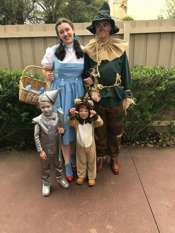 Story Based Family Costume Idea for Halloween