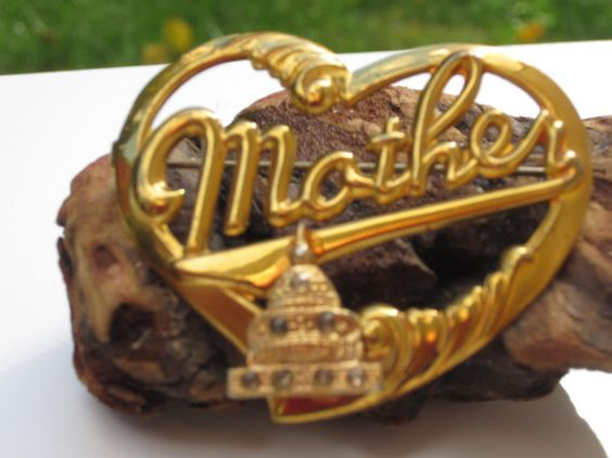 Lovely Vintage U.S. Capital Mother Pin by LolaandRettsdelight, $16.00