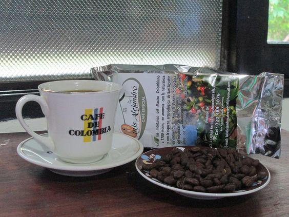 La suave aroma del café colombiano. San Agustín tasa de la excelencia.