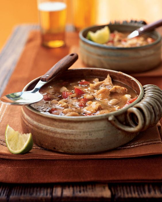 Crowd-pleasing white bean chili from Cooking Light calls for canned beans and chicken broth, making prep convenient. Pureeing the bean mixture makes the soup thicker giving it more body. Cannelini ...