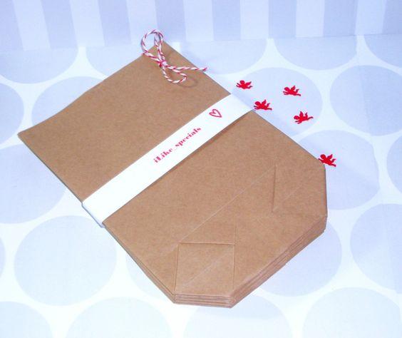 25 Papiertüten braun 21,5x14cm Kraftpapier von iLike_specials aus Berlin auf DaWanda.com