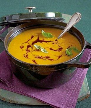 Das Rezept für Curry-Kürbissuppe und weitere kostenlose Rezepte auf LECKER.de
