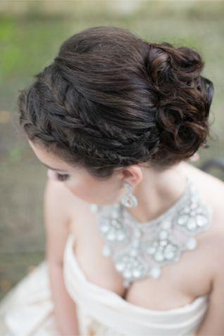 Glamorous bridal updo     Best bridal hairstyles   20 best bridal updos   www.xaazablog.com #bridalhairstyle #hairstyle #weddinghair #updo #bridalupdo LH Photography