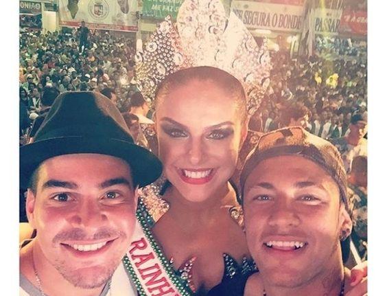Neymar coroa Paloma Bernardi como rainha de bateria da Grande Rio #Ator, #Atriz, #David, #DavidBrazil, #Filha, #Futebol, #Gente, #Instagram, #Mundo, #Neymar, #NeymarJr, #Oscar, #Presidente, #Record, #RioDeJaneiro http://popzone.tv/neymar-coroa-paloma-bernardi-como-rainha-de-bateria-da-grande-rio/