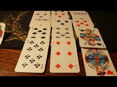 Играть в карты с любимым видео как девочки играют в карты на раздевание