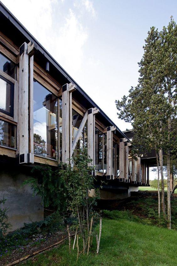 Bridge House / Aranguiz-Bunster Arquitectos