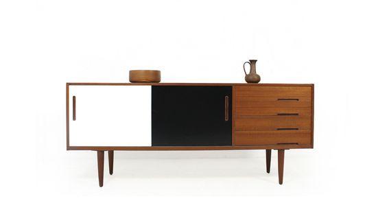 Aparador de teca by nils jonsson blanco y for Bauhaus mueble zapatero