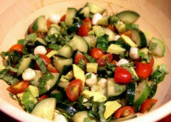Cucumber Avocado Caprese Salad: Olive Oil, Salad Recipe, Salads Dressing, Yummy Salad, Summer Salad, Healthy Recipe, Food Salad, Salads Side, Recipes Salad