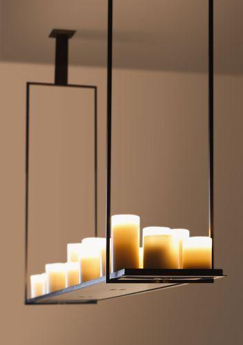 Lustre contemporain en métal ( avec bougies, fait main) ALTAR  Kevin Reilly Collection