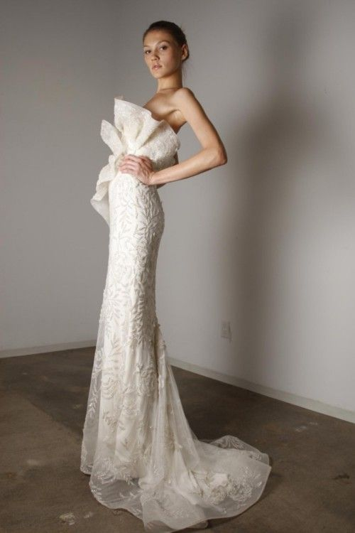 Dress of the day 5.13.12  Marchesa : Spring 2010 Collection    Click on our blog for our daily pick!