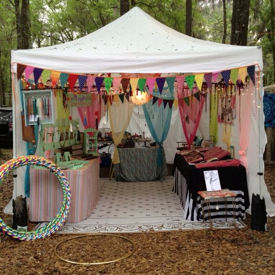 Craft Fair Booth Display Ideas | Love the fabric drapes at the back and bunting in the front!