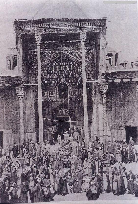صورة قديمة لضريح الامام الحسين عليه السلام B76b31b2bbc026418c6e7a6252181fa5