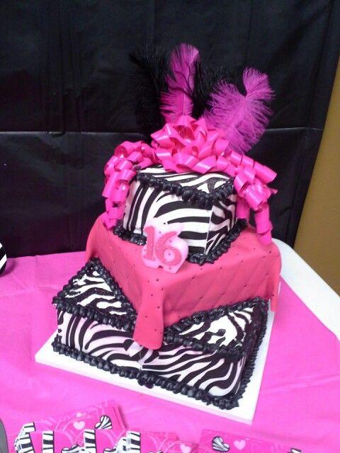 My Sweet 16 cake!! ♥♡♥