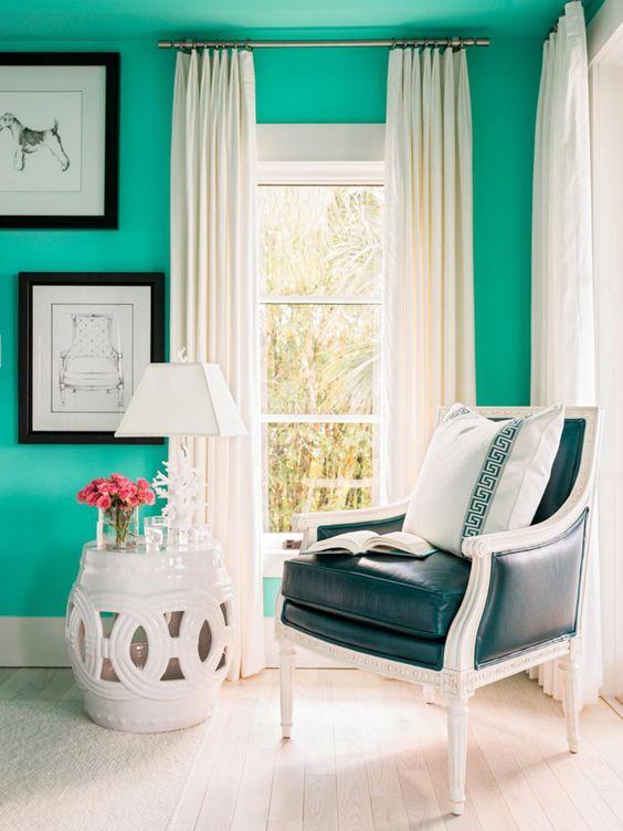 sitting area | HGTV Dream Home 2016