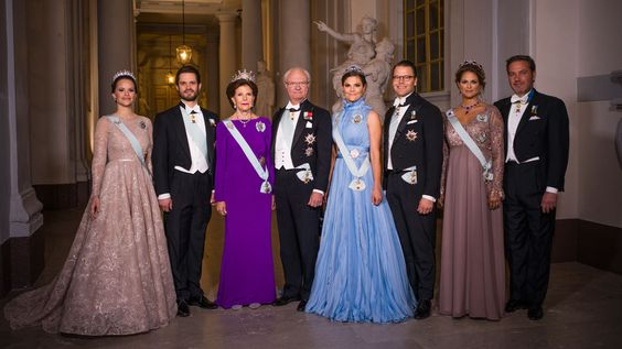 "duchesscambridges: """"An Official Photograph of The Swedish Royal Family for The 2017 Nobel Prize 