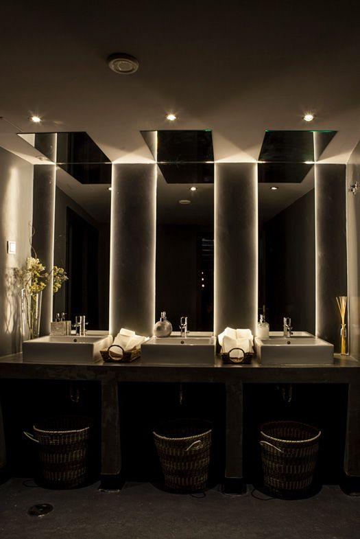 Toilettes guiguette pinterest restaurant mirror ceiling and design - Washroom ideas ...
