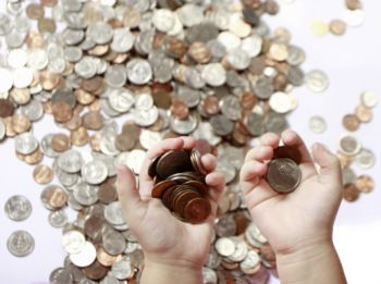 Website links for teaching kids about money