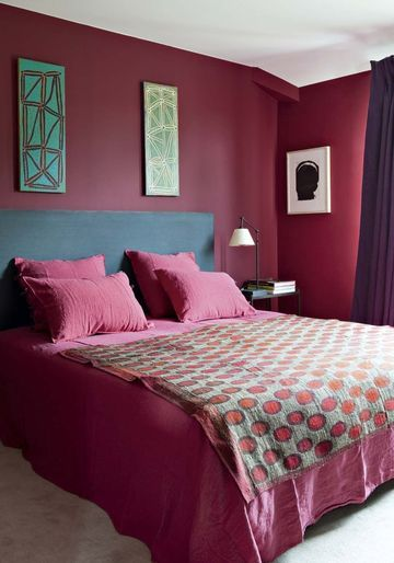 sarah lavoine sa maison de campagne en photos bleu couleur des murs et pink. Black Bedroom Furniture Sets. Home Design Ideas