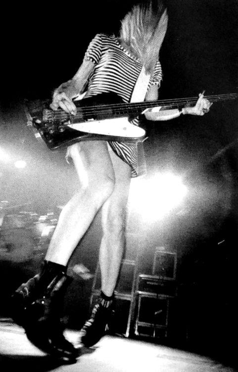Kim Gordon of the band Sonic Youth ... Follow – > http://www.songssmiths.wordpress.com Like -> http://www.facebook.com/songssmithssongssmiths