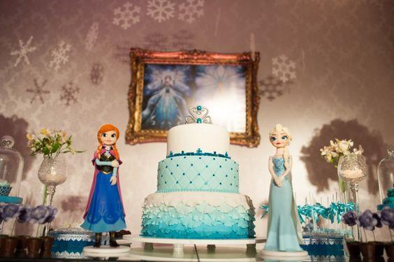 Bolo   Cake   Bolo para Festa Infantil   Bolo da Frozen   Festa Infantil   Bolo criativo   Inesquecível Festa Infantil   Bolo temático   Tema Frozen