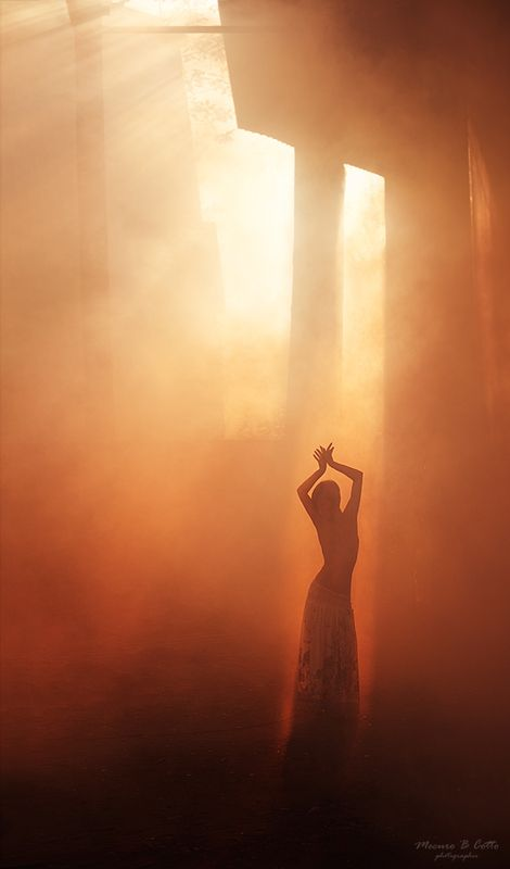 Sun Worship:  This image stirs many archetypes of the unconscious.  #Jungian #Psychology