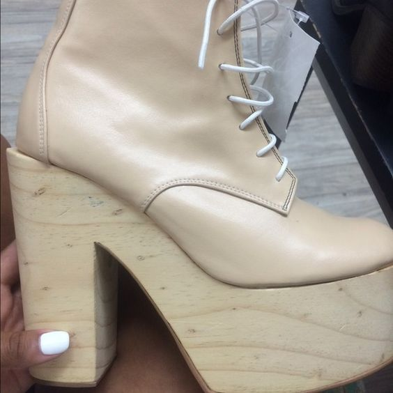 These babies New without tags Deandri Shoes