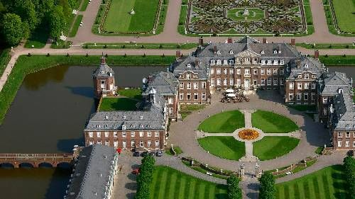 Die 100 Schonsten Orte Mit Dem Wohnmobil Schloss Nordkirchen Schone Orte Schloss