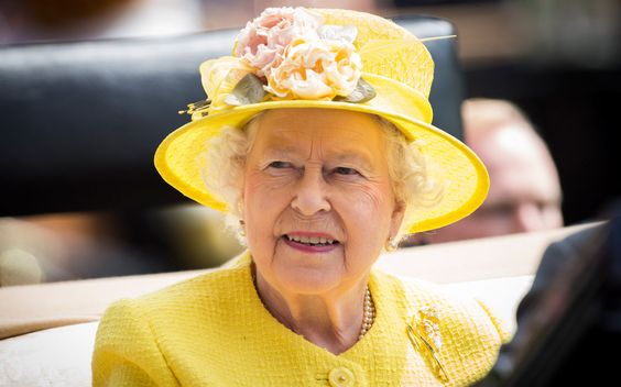 Die Königin von England ist auf Deutschlandbesuch – höchste Zeit, uns über die britische Monarchin zu informieren. Wir verraten erstaunliche Fakten über Elizabeth II.